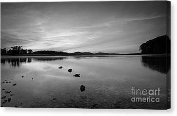 Round Valley At Dawn Bw Canvas Print