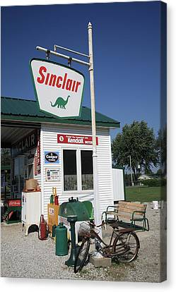 Route 66 - Sinclair Station Canvas Print by Frank Romeo