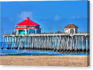 Ruby's Surf City Diner - Huntington Beach Pier Canvas Print