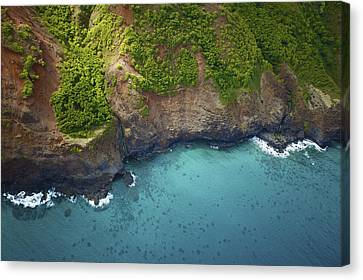Rugged Kauai Coastline Canvas Print by Kicka Witte