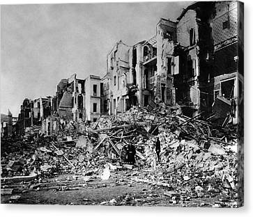 Ruins After Messina Earthquake Of 1908 Canvas Print by Us Navy