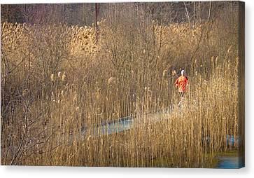 Running Man Canvas Print by Richie Stewart