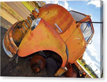 Rusted Out Chevrolet 5700 Canvas Print by Liane Wright