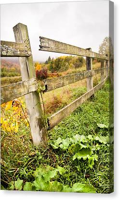 Rustic Landscapes - Broken Fence Canvas Print by Gary Heller