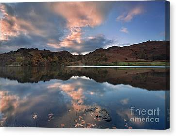 Rydal Water Canvas Print by Rod McLean
