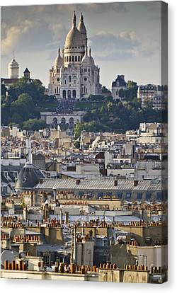Sacre Coeur Over Rooftops Canvas Print by Gary Eason