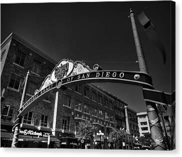 San Diego - Gaslamp Quarter 001 Bw Canvas Print by Lance Vaughn