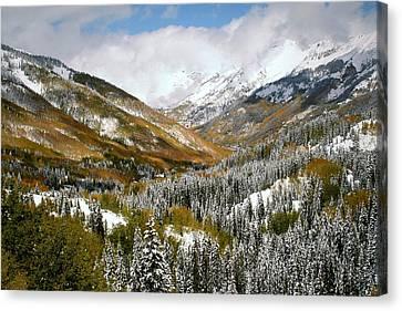 San Juan Mountains After Recent Snowstorm Canvas Print by Jetson Nguyen