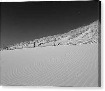 Sand And Moon B W Canvas Print by Gary Lester