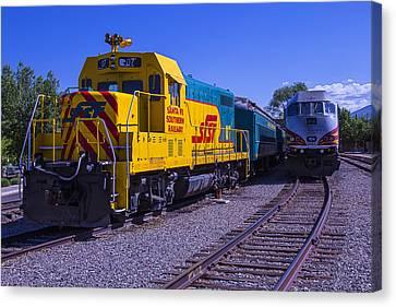 Santa Fe Trains Canvas Print by Garry Gay