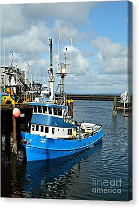 Santa Maria Offload Canvas Print by Chalet Roome-Rigdon