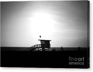 Santa Monica Lifeguard Tower In Black And White Canvas Print