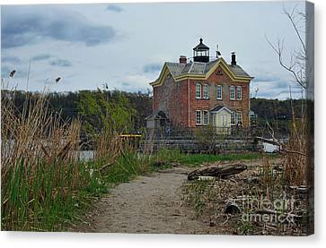 Saugerties Lighthouse On The Hudson River Canvas Print by Tina Osterhoudt