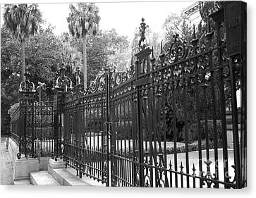 Savannah Mansions Black And White Rod Iron Gate - Savannah Black Gate Architecture Canvas Print by Kathy Fornal