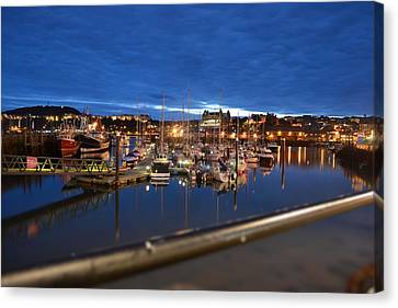 Scarborough Bay Canvas Print by Dave Woodbridge