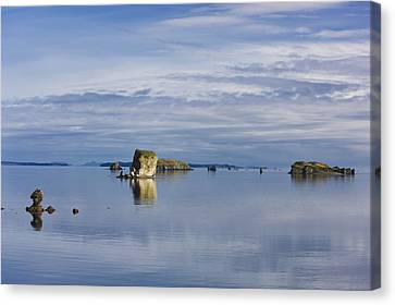 Scenic View Of The Shoreline Of Kalsin Canvas Print