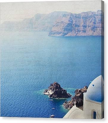 Canvas Print featuring the photograph Seascape - Santorini by Lisa Parrish