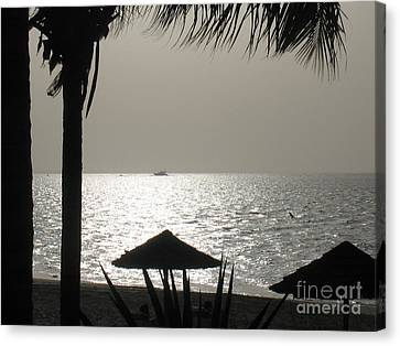 Seaside Dinner For Two Canvas Print by Patti Whitten