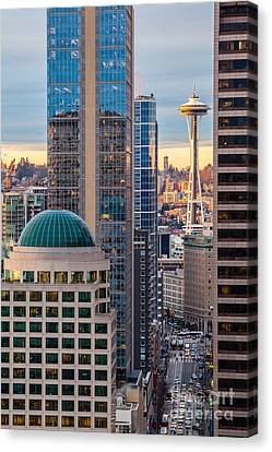 Seattle Space Needle Golden Sunset Light Canvas Print by Mike Reid