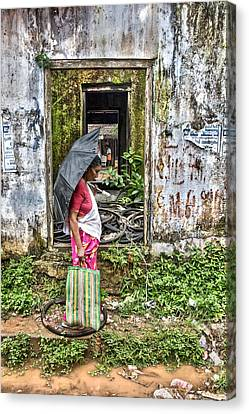 Canvas Print featuring the photograph See Through by Sonny Marcyan