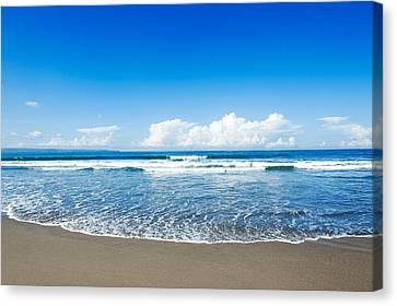 Canvas Print featuring the photograph Seminyak Beach by Yew Kwang