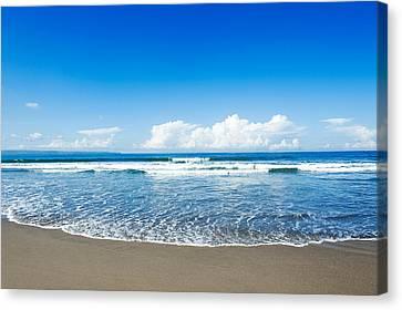 Seminyak Beach Canvas Print by Yew Kwang