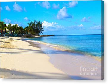 Seven Mile Beach Canvas Print by Carey Chen