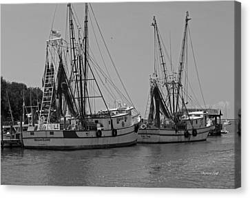 Shem Creek Shrimpers - Black And White Canvas Print by Suzanne Gaff
