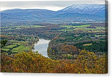 Shenandoah Fall And Winter Canvas Print by Lara Ellis
