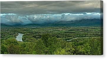 Shenandoah Green Valley Canvas Print by Lara Ellis