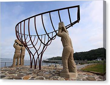 Ship Builders Sculpture Port Jefferson New York Canvas Print by Bob Savage