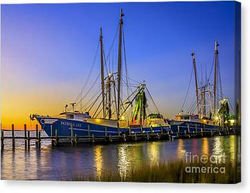 Canvas Print featuring the photograph Shrimp Boat Sunset by Paula Porterfield-Izzo