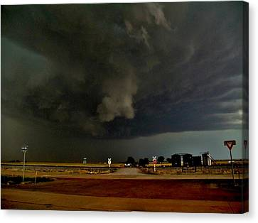 Canvas Print featuring the photograph Signs Of A Supercell by Ed Sweeney
