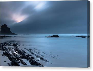 Canvas Print featuring the photograph Silence by Edgar Laureano