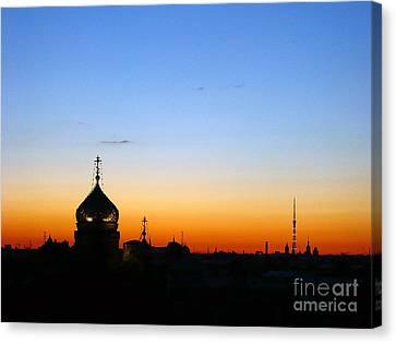 Silhouette In St. Petersburg Canvas Print by Lars Ruecker