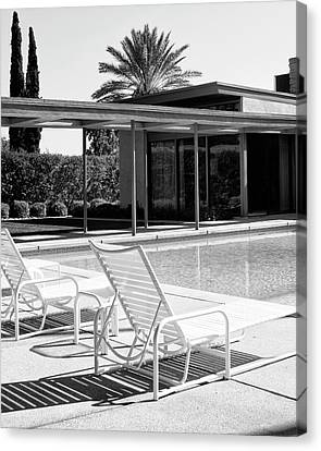 Sinatra Pool Bw Palm Springs Canvas Print by William Dey