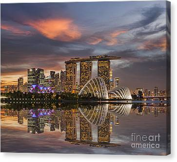 Singapore Skyline Beautiful Sunset Canvas Print by Colin and Linda McKie