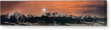 Sirius Diffusion Over The Gore Range Canvas Print by Mike Berenson