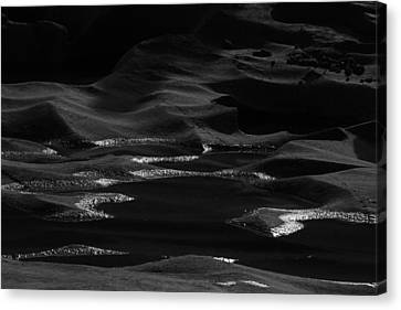Forming Stones Canvas Print - Skc 8588 Wavy Rocks by Sunil Kapadia