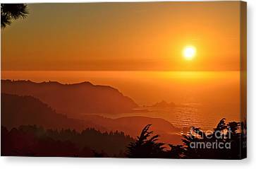 Skies Of Gold At Pedro Point Canvas Print