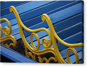 Skc 0246 The Garden Benches Canvas Print by Sunil Kapadia