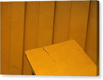 Skc 1496 A Tea Shack Bench Canvas Print by Sunil Kapadia