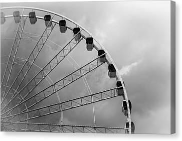 Skywheel Canvas Print by Ivo Kerssemakers