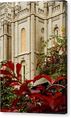 Slc Temple Berries Turret Canvas Print