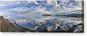 Slow Ripples Over The Shallow Waters Of The Great Salt Lake Canvas Print by Sebastien Coursol