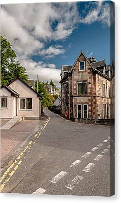 Canvas Print featuring the photograph Small Streets Of Oban by Sergey Simanovsky