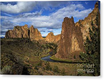 Smith Rock State Park - Oregon Canvas Print