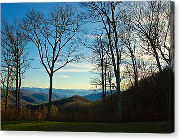 Canvas Print featuring the photograph Smoky Mountain Splendor by Dee Dee  Whittle