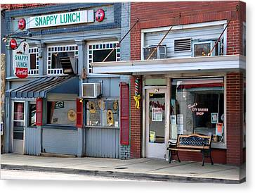 Snappy Lunch And Floyd Nc Canvas Print by Bob Pardue