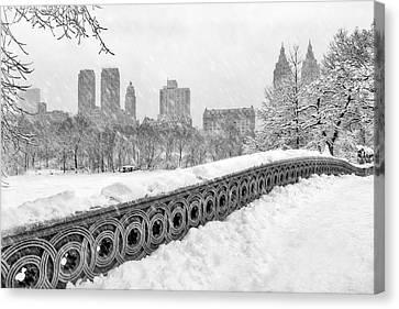 Snow In Central Park Nyc Canvas Print by Susan Candelario